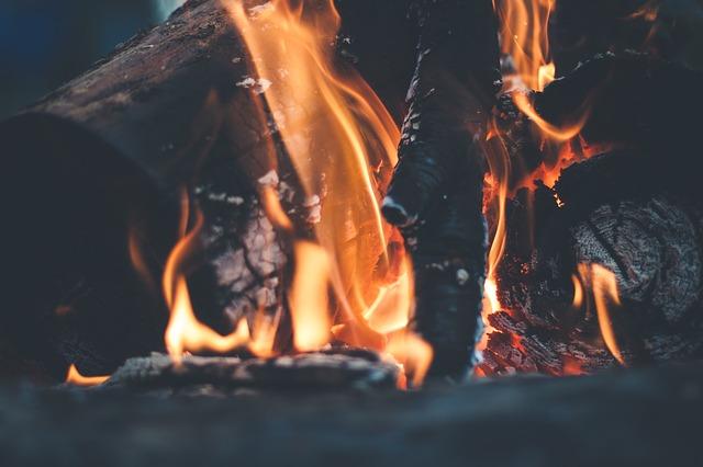 bonfire-691668_640