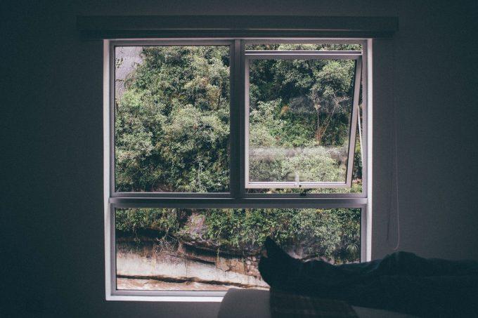 window-frame-1149117_1280